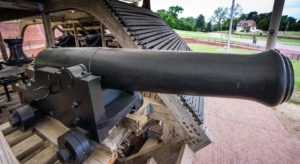 One of the guns of the USS Cairo